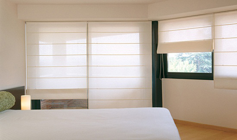 Folding curtains or paquette awnings taial for Cortinas para comedor modernas