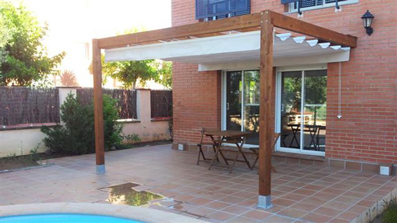 Pergola de madera toldos taial for Pergolas de madera bricor