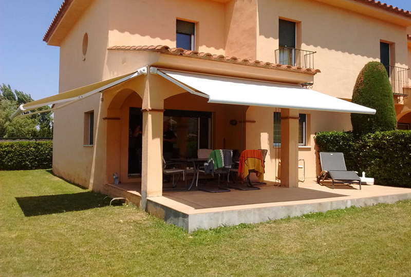 Chest taial awnings canopies - Toldos taiala ...