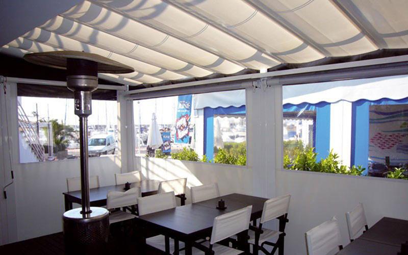Toldos verticales toldos taial for Toldo lateral para terraza