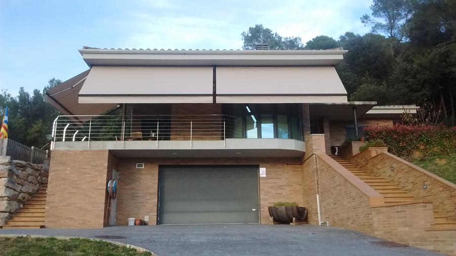 Toldos en vivienda particular toldos taial for Colocacion de toldos